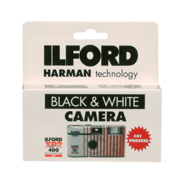 ILFORD XP2 27 POSES